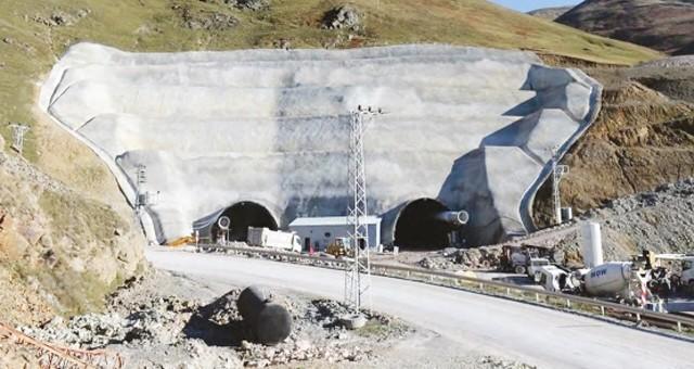 Girgin, Karabel Tüneli'nin peşini bırakmıyor
