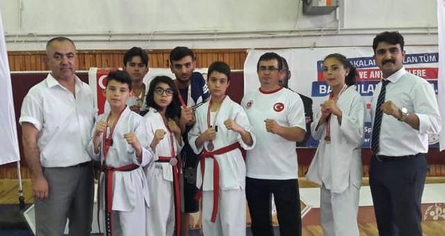 Teakwondo Muğla İl Birinciliği'nde  9 Sporcu; 5 altın, 4 bronz madalya