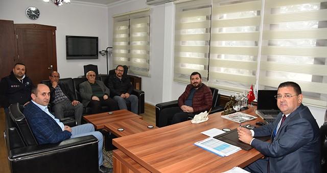 Milas Çorumlular Derneği yönetimi, Belediye Başkanı Muhammet Tokat'a nezaket ziyaretinde bulundu.