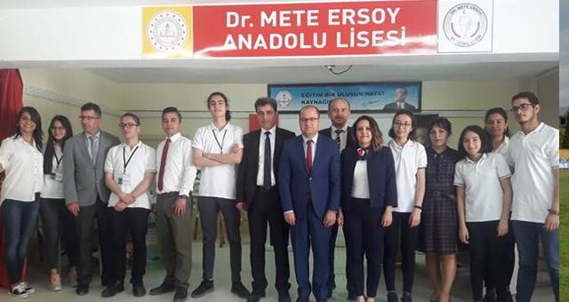 İngilizce Münazara Yarışması'nda  Şampiyon Cumhuriyet Anadolu Lisesi