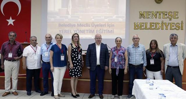 CHP'li Belediye Meclis Üyelerine Yerel Yönetim Eğitimi…