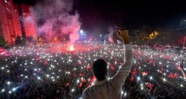 """CHP İl Başkanı Adem Zeybekoğlu;  """"Demokrasi, İstanbul ve Türkiye Kazandı"""""""
