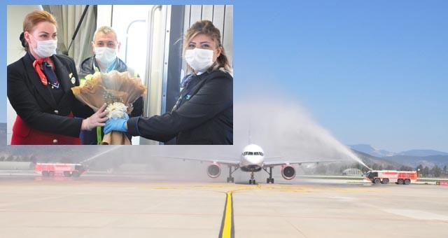 Milas Bodrum Havaliman'ısezonun ilk dış hat uçuşuna 'merhaba' dedi
