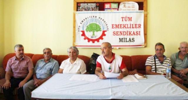 """""""EN DÜŞÜK EMEKLİ MAAŞI 2500 TL OLMALIDIR"""""""