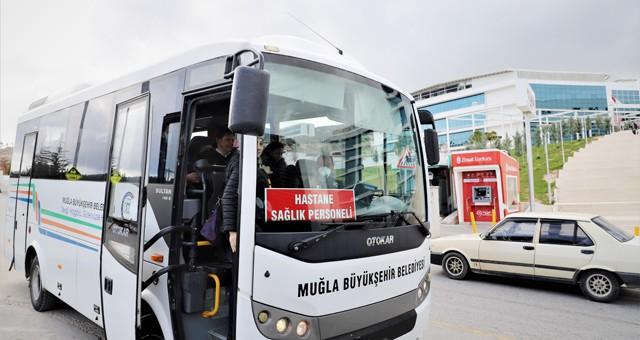Büyükşehir sağlık çalışanlarını ücretsiz taşıyor