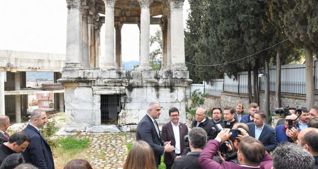 Tarih ve Kültür Kenti Milas'ta  Gümüşkesen Anıtı'na Müze Darbesi!