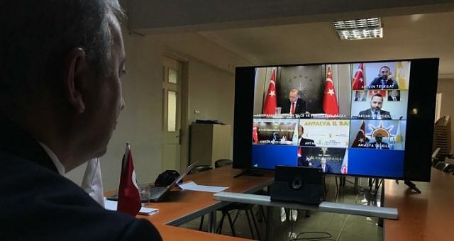 AKP'li Mete, Cumhurbaşkanı'ndan sınırlama istedi