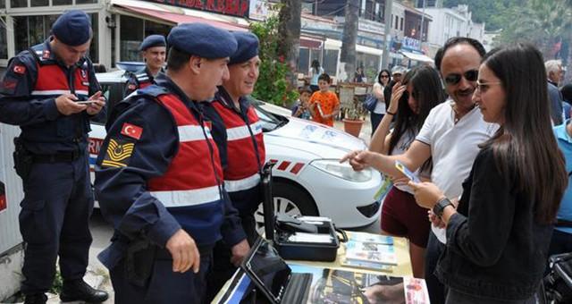 Jandarmadan Güllük'te 'Trafik Haftası' Etkinliği…