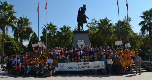 Öğrenciler sağlık için yürüdüler