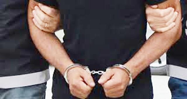 Polise çarparak kaçan zanlı yakalandı