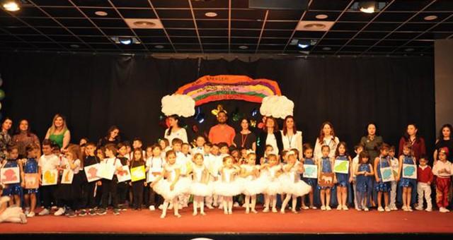'Süper bücürler' 23 Nisan'ı erken kutladı