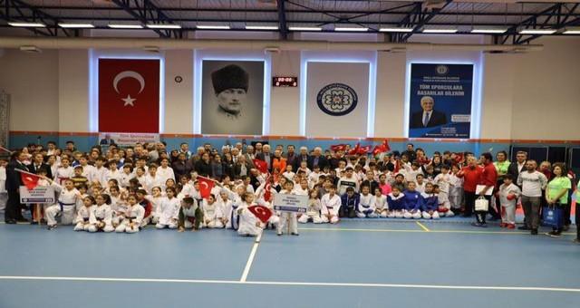 Şehit Jandarma Binbaşı Kıvanç Cesur Adına Karate Turnuvası Düzenlendi
