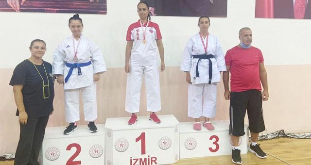9 Eylül Turnuvası'ndan 1 birincilik, 2 ikincilik ve 1 üçüncülükle döndüler