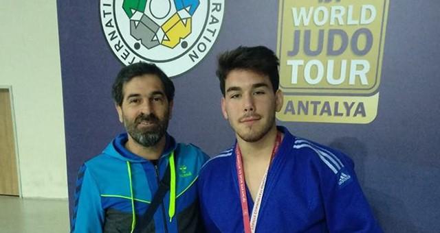 Genç Sporcudan Sevindiren Başarı