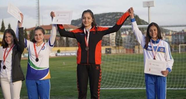 Okul sporlarında başarılar devam ediyor... Okçuluk ve güreşte adımızı duyurduk