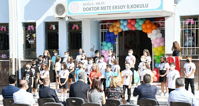 İlköğretim Haftası düzenlenen törenle kutlandı