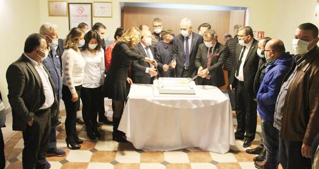 MİTSO Meclisinde Milas zeytinyağına AB coğrafi işareti pasta ile kutlandı: