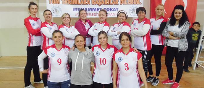 Kadınlar Voleybol Turnuvası Maçları Oynanıyor