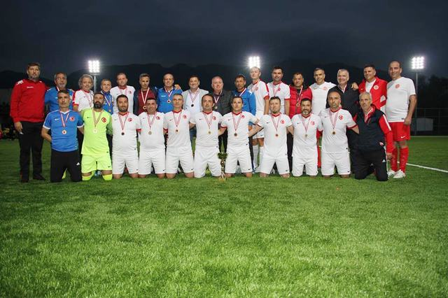 Kıbrıs Şampiyonu Bodrum-Milas Masterler Futbol Takımı
