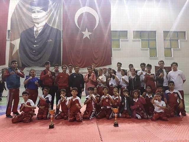 Milas Gençlikspor şampiyon oldu
