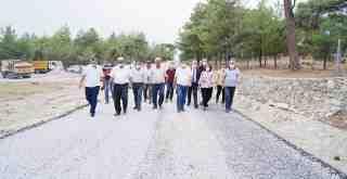 Başkan Tokat, Ketendere'de tamamlanan asfalt çalışmasını inceledi