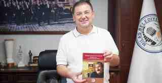 """""""Turhan Selçuk'un Sanatı"""" kitabı yayınlandı"""