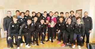 Liseli futbolculardan Başkan Kocadon'a ziyaret