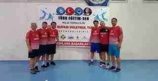 Voleybol Turnuvası'nda Final Maçları Oynanıyor