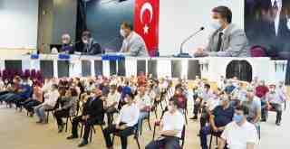 Muhtarları Bilgilendirme Toplantısı'nın birinci oturumu dün gerçekleştirildi