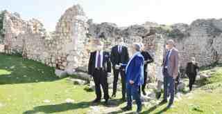 Kaymakam Böke, Beçin Kalesi ve Euromos Kazı Alanını ziyaret etti
